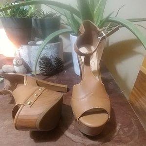 Jessica Simpson nude t-strap wooden platform heels